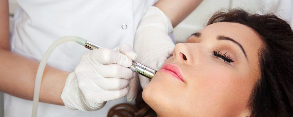 Usuwanie zmarszczek Toruń termolifting twarzy redukowanie zwiotczałej skóry